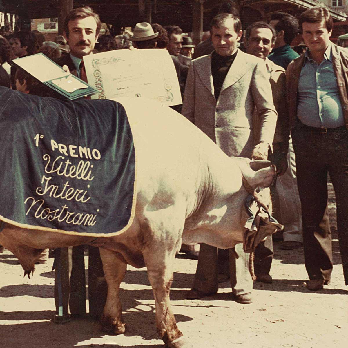 Leone Carni - Anni '70, Mario Leone premiato con il Primo Premio